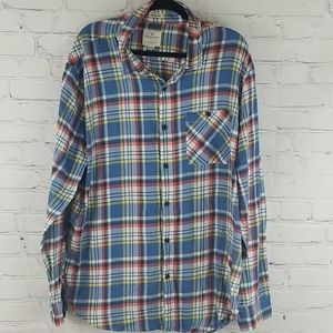 American Eagle classic fit button down shirt
